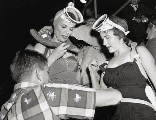 Jane Russell and Reporter Preparing for Underwater Premiere
