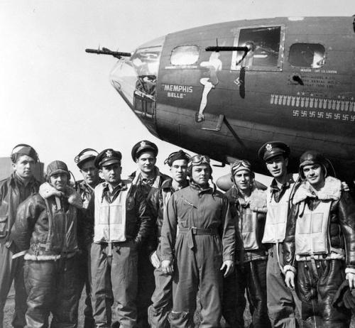 MemphisBelle_crew_USAF