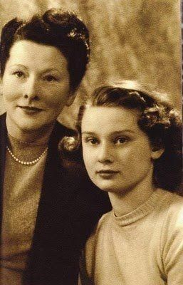 Audrey Hepburn with her mother, Barronness Ella Van Heemstra (l940s).
