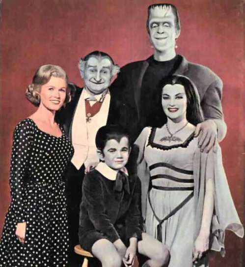 De Carlo as Lily Munster with the rest of the gang.